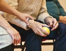 Prancūzai ieško naujų medicinos produktų neįgalių ar pagyvenusių pacientų saugumui užtikrinti
