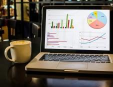 Subsidijų duomenų analizė: daugiausia paramos paskirstyta prekybos, apgyvendinimo ir maitinimo bei gamybos sektoriams