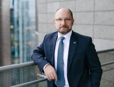 Nauji INVEGOS rizikos kapitalo fondai - šalies gynybai ir startuoliams auginti