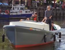 Danės upėje išbandomas Klaipėdoje sukurtas ir pastatytas elektrinis laivas